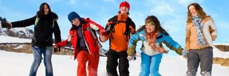 Groepsuitje in de sneeuw
