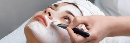 Verwen uzelf met een gezichtsmasker