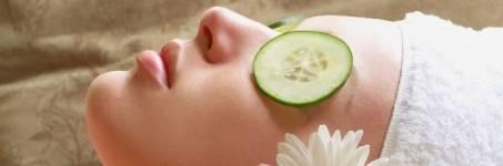 Komkommer gezichtsbehandeling