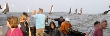 Zeilevenement met botters op het IJsselmeer