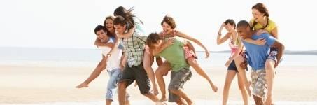 Groepsuitjes op het strand van Zuid-Holland