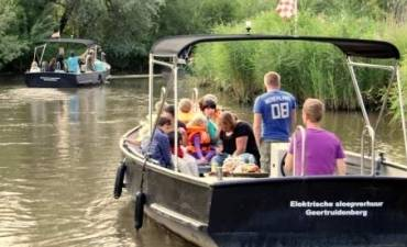 Fluisterstil varen in de Biesbosch