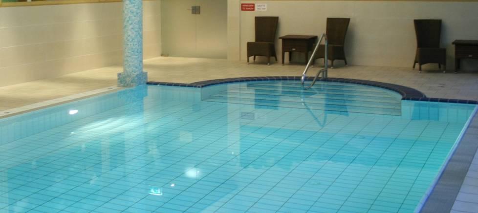 Ontspannend seizoensarrangement in kuur en beautycentrum - Zwembad arrangement ...