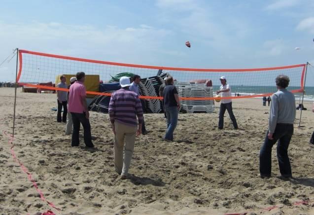 Groepsuitje Strand in Scheveningen - met Beachgames en lekker eten
