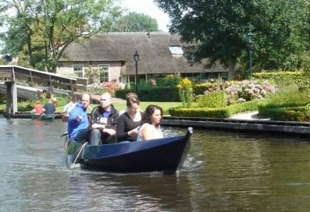 Sloeparrangement in Giethoorn - Dagje varen inclusief schipper!