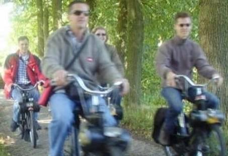 Ouderwets op de Solex in Ootmarsum