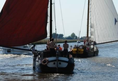 Traditioneel dagje zeilen op een skutje in Friesland