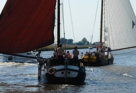 Traditioneel dagje zeilen op een skutsje in Friesland
