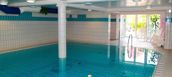 Oud nieuw arrangement in sauerland sluit het jaar af in een unieke sfeer - Zwembad arrangement ...