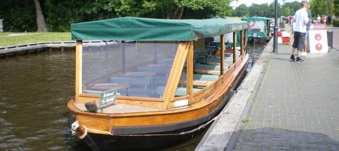 Met de rondvaartboot Giethoorn verkennen