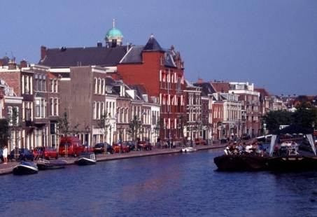 Familieuitje in Leiden - Walking and Floating Dinner