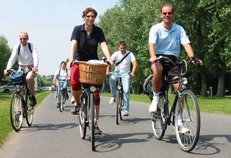 Dagje Weerribben-Wieden met Fietsen, Varen en Huifkartocht - Familiedag in Overijssel
