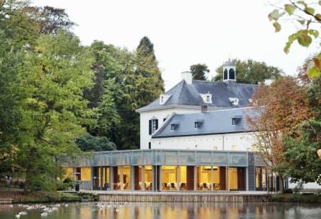 Oud en nieuw met feestelijk diner in kasteel in limburg & lekker dansen ( drankjes INCL ! )