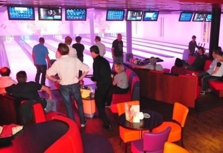 Vrijgezellenfeestje in Noord-Holland - Bowlen en Dineren in Egmond aan Zee