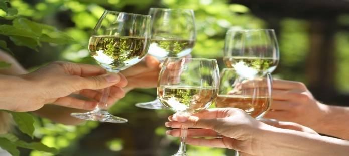 Stadsrondleiding en culinair genieten met wijnproeverij en tapas: enjoy.nl/avondje_uit/culinair/proeverij/wijnproeven/rondleiding...