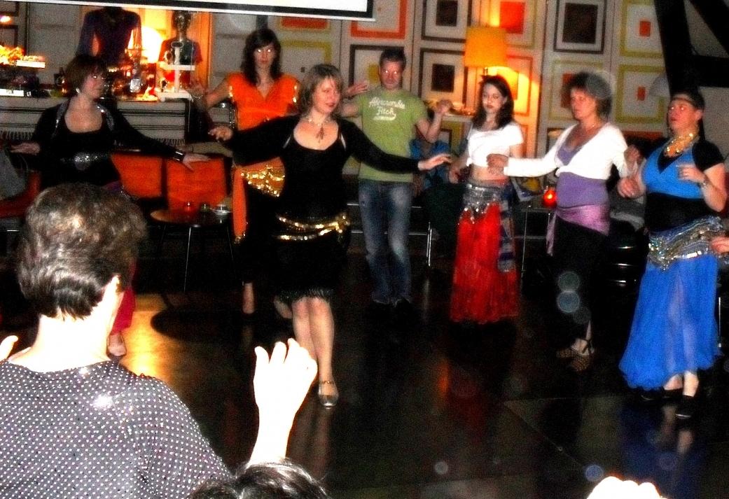 Workshop buikdansen - Swingend orientaals groepsuitje in Hoorn