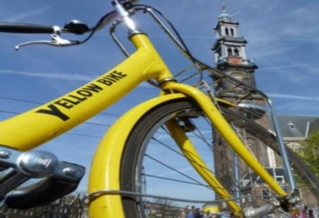 Leuk vriendinnenuitje - fietsend door Amsterdam