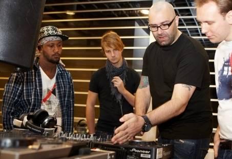Altijd al een echte DJ willen zijn? - DJ workshop in Delft