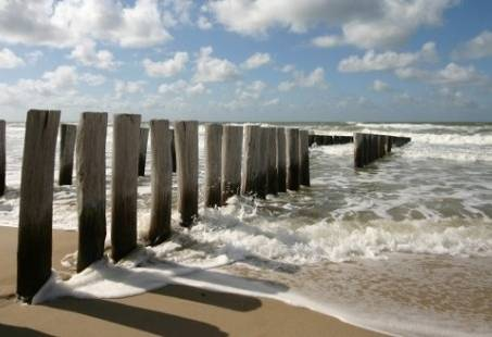 Genieten in de bruisende badplaats Renesse - Vriendinnenweekend met High tea aan de Zeeuwse kust