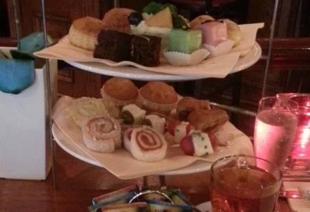 Samen smullen met een High Tea in hartje Nijmegen