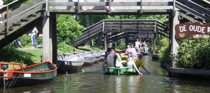 Overnachten in Giethoorn - verblijf in een Waterlodge