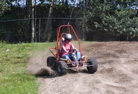 Ferrari-, quad en buggy rijden - Groepsuitje met hoge snelheid
