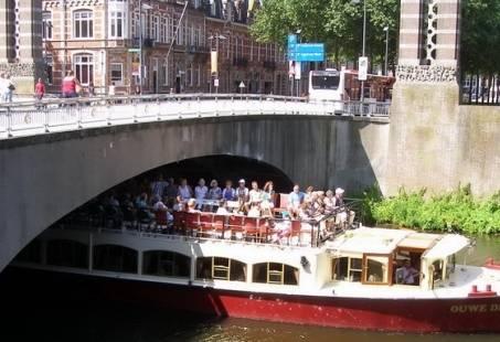 Vriendinnenuitje - Shoppen met rondvaart en High Tea in Den Bosch