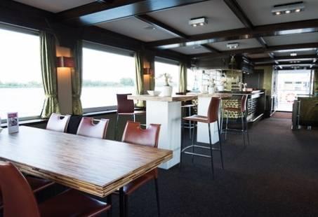 Rondvaart met luxe Brunch door Nationaal Park de Biesbosch