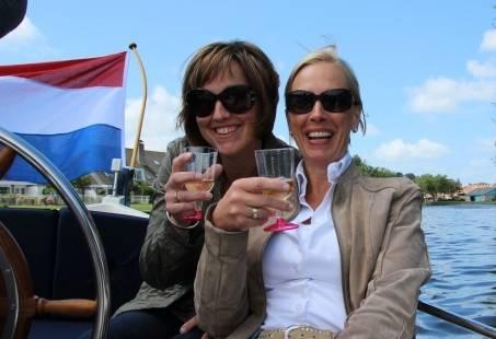 SloepenPuzzeltocht - Sloep varen over de Hollandse Plassen en Leiden