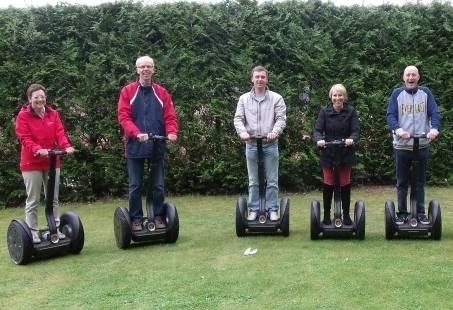 Relatiedag op de Veluwe - E-scooter & Segway rijden en afsluiten met een Wildproeverij