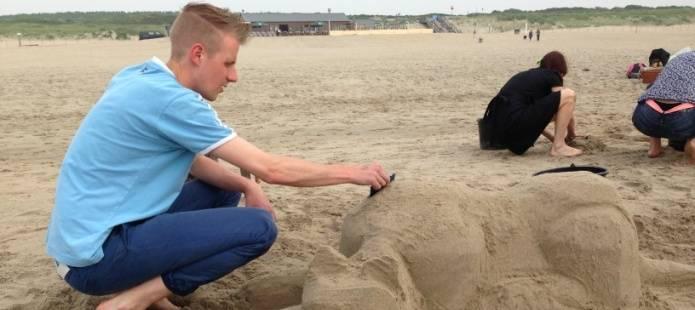 Workshop Zandsculpturen maken - Met de voetjes in het zand!