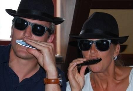 Mondharmonica leren spelen in  1,5 uur tijd - Hou je mondharmonica - The Bluesbrothers Revue
