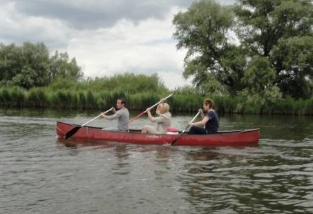 Ontdek de Biesbosch in het Avondlicht met een gids tijdens een prachtige kanotocht