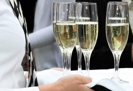 Feestavond, 3-gangen diner, Live muziek dansvloer en Vuurwerk -  Oud & Nieuw in Zeeland