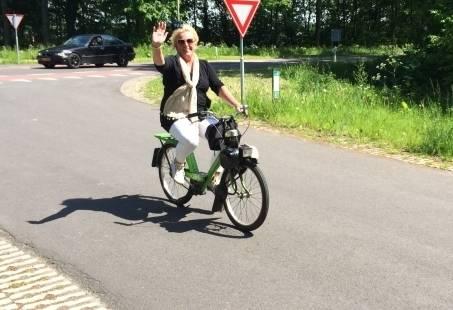 All-in Solex Tocht in Klederdracht - Super vriendinnenuitje in Gelderland