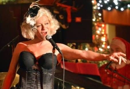 Showgirl tijdens dinnershow