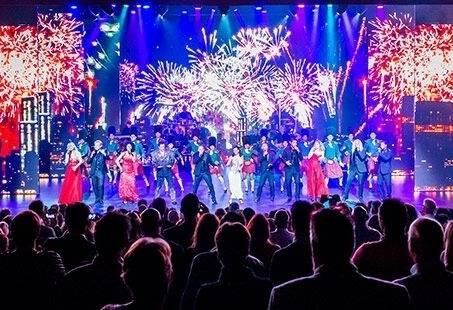 Spectaculaire Kerst Dinnershow in Aalsmeer! Beleef Brooklyn Nights op 25 december