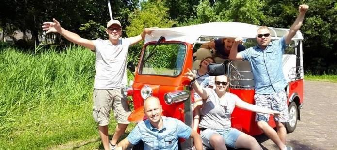 Op en Top Teambuilding in de Biesbosch - GPS TUK TUK Challenge