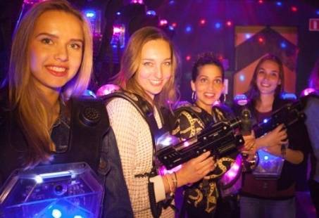 Powerparty Extreme Action - Lasergamen, midgetgolf en bowlen in Amsterdam