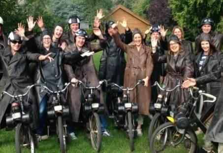Groepsuitje in Gelderland - Solex rijden en Laser Kleiduifschieten