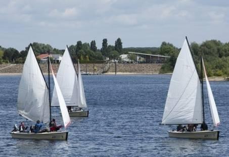 Zelf zeilen in Gelderland - Uniek uitje op de Rhederlaagse meren