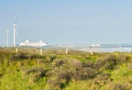UNIEKE aanbieding: Zee aan Staal strandarrangement in Wijk aan Zee met bezoek aan Tata Steel