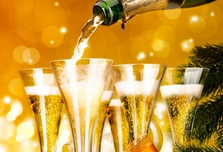 Oud & Nieuw in Zuid-Limburg - Inclusief Feestavond, drankjes en live muziek