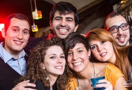 Crazy feestavond met overnachting aan de kust - Vriendenweekend in Scheveningen