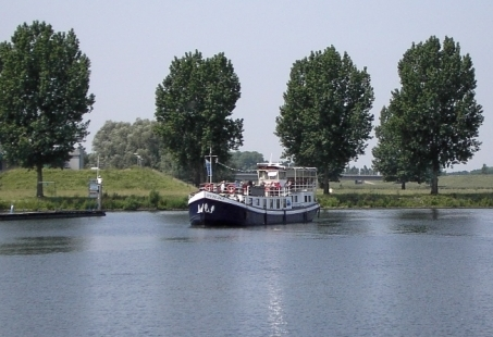 1 uur durende Rondvaart over de Maas vanuit Heusden