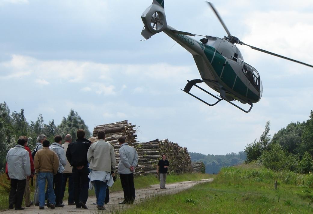 Uniek teambuildingsuitje op de Veluwe - Helikopter Dropping