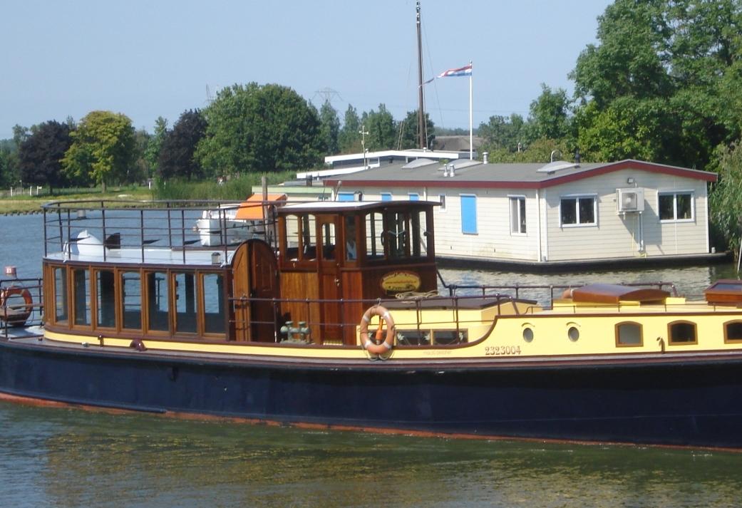 Rondje Amsterdam met de salonboot de Lelie