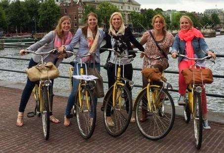 Gezellig vriendinnenuitje - Fietsen en Shoppen in Amsterdam