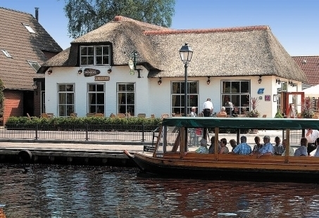 Varen met Barbecue in Giethoorn - Gezellig bedrijfsuitje aan het water