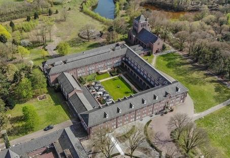 Dagje Toverland en nachtje wegdromen in een Kloosterhotel